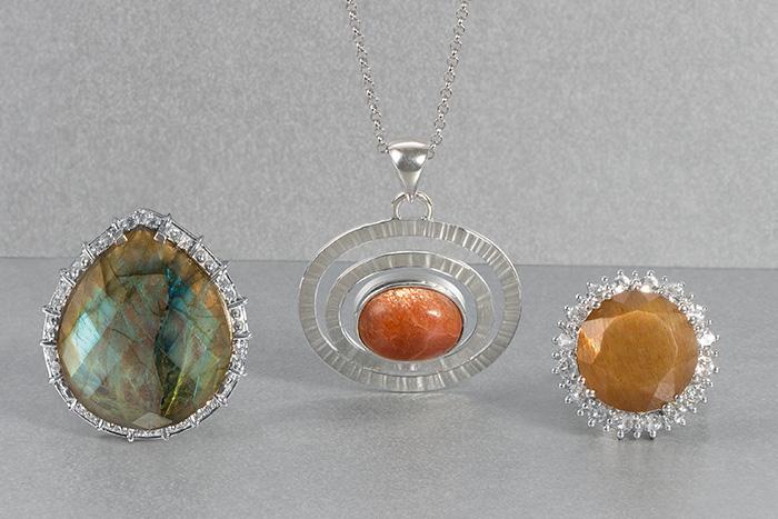 Gemstones showing aventurescence