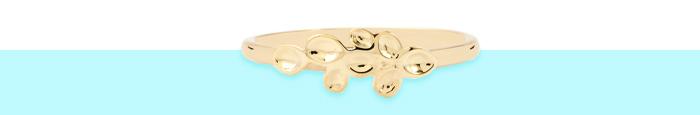 9 Karat Gold Stackable Ring in a dainty leaf design.