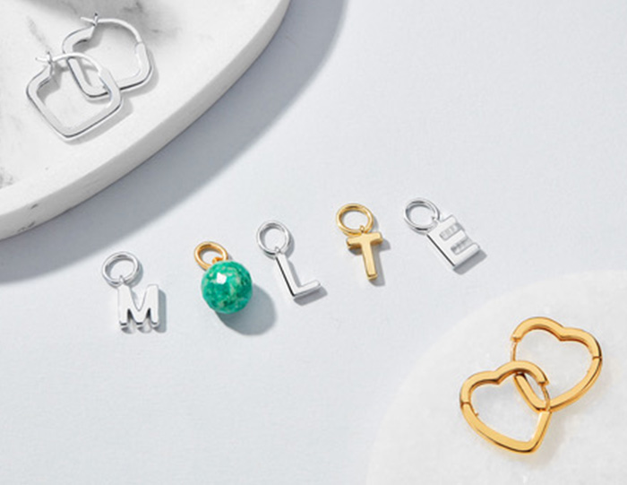Molte Letter Charms