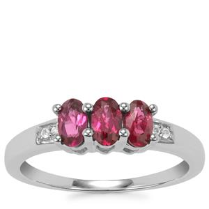 Tocantin Garnet Ring with White Topaz in Sterling Silver 0.85ct