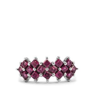 Rajasthan Garnet Ring in Platinum Plated Sterling Silver 2.07cts