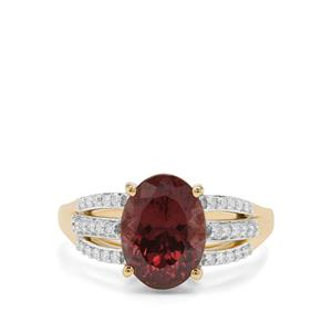Bekily Colour Change Garnet Ring with Diamond in 18K Gold 3.65cts