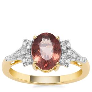 Bekily Colour Change Garnet Ring with Diamond in 18K Gold 2.11cts