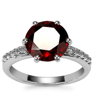 Rajasthan Garnet Ring with White Topaz in Sterling Silver 4.40cts