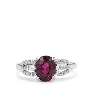 Comeria Garnet Ring with Diamond in 18K White Gold 2.10cts