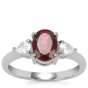 Tocantin Garnet Ring With White Topaz in Sterling Silver 2cts