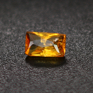 0.07cts Clinohumite