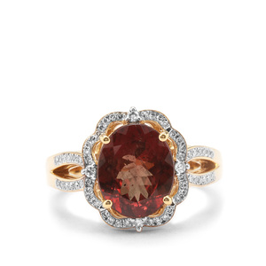 Bekily Colour Change Garnet Ring with Diamond in 18K Gold 3.69cts