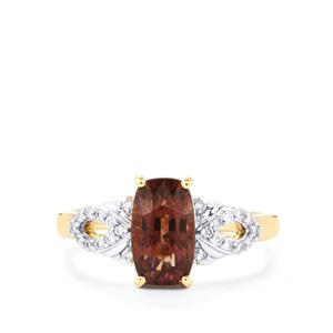 Bekily Colour Change Garnet Ring with Diamond in 18K Gold 2.58cts