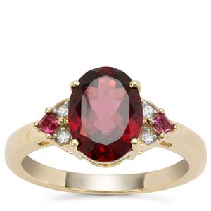 Mahenge Red, Rhodolite Garnet Ring with white zicon in 9K Gold 3.06cts