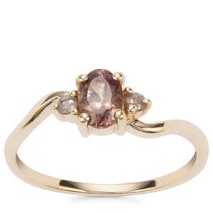 Menarandra Garnet Ring in 10K Gold 0.70ct