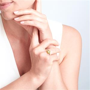 Changbai Peridot Ring with Green Diamond in 9K Gold 2cts