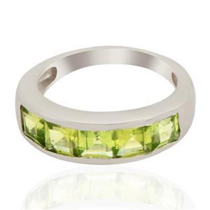 Hunan Peridot Ring in Sterling Silver 3.25cts
