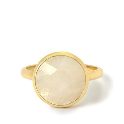 5.10CTS. RAINBOW MOONSTONE. GOLD PLATED STERLING SILVER