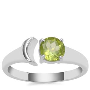 Changbai Peridot Ring in Sterling Silver 0.93cts