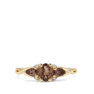 Bekily Colour Change Garnet Ring with Diamond in 9K Gold 1cts