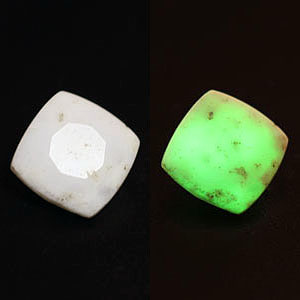 2.63cts Fluorescent Opal