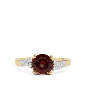 Bekily Colour Change Garnet Ring with Diamond in 18K Gold 2.09cts