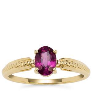 Comeria Garnet Ring in 9K Gold 0.95ct
