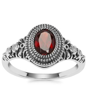 Sangu Garnet Ring with White Topaz in Sterling Silver 0.98ct