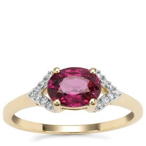 Malawi Garnet Ring with White Zircon in 9K Gold 1.40cts