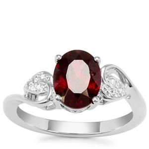Tocantin Garnet Ring with White Zircon in Sterling Silver 2.47cts
