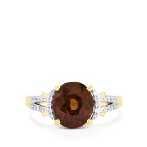 Bekily Colour Change Garnet Ring with Diamond in 18K Gold 4.03cts