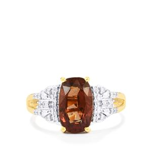 Bekily Colour Change Garnet Ring with Diamond in 18K Gold 3.60cts